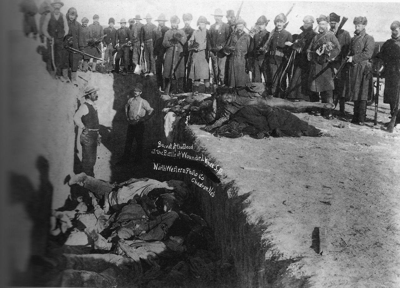 Fosse commune des victimes du massacre de 1890 à Wounded Knee