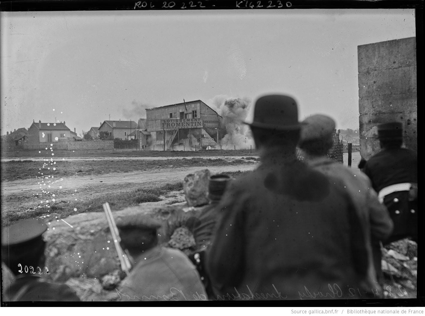 Explosion de dynamite contre le refuge de Bonnot, retranché au premier étage