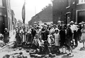 Dans un coron borain pendant la grève