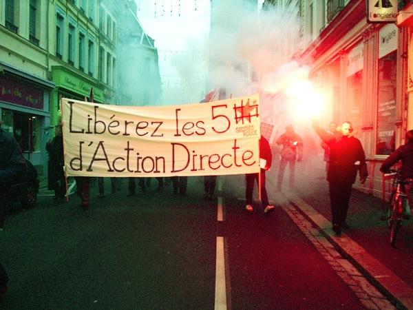 Manifestation dans les rues de Douai