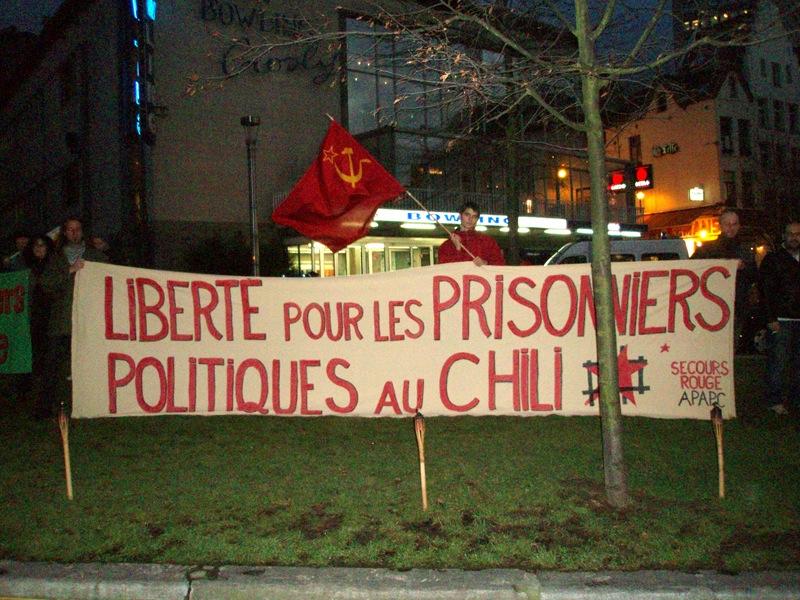 Face au siège du Parti Socialiste à Bruxelles le 16 janvier 2008
