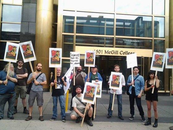 Rassemblement devant le consulat de France à Montréal