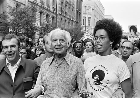 Louis Aragon et Fania Davis manifestation à Paris