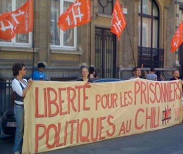Manifestation devant l'ambassade du Chili à Bruxelles le 13 juin 2010