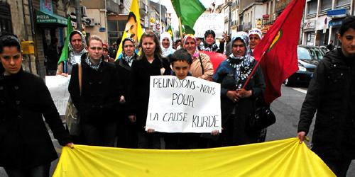 Manifestation en soutien aux kurdes en France