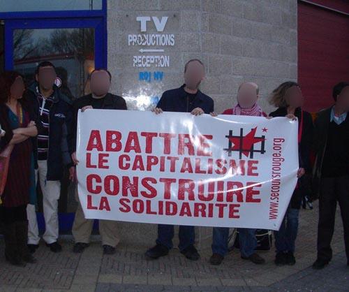 Rassemblement devant Roj-TV en mars 2010.