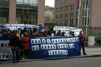 Rassemblement devant le ministère des affaires étrangères