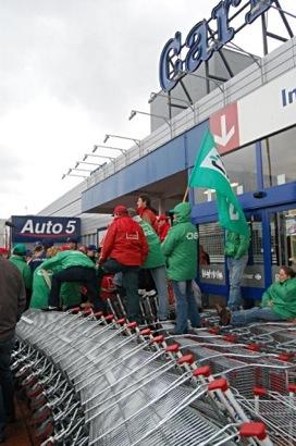Grève au Carrefour de Krainem