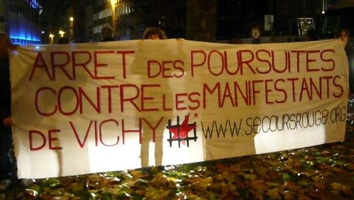 Banderole du SR pour les manifestants de Vichy