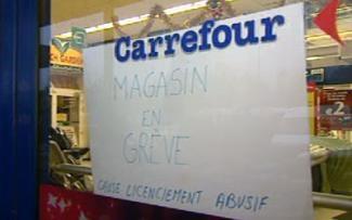 Grève au Carrefour de Gosselies