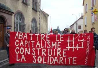 Calicot du Secours Rouge à la manif pour Georges Cipriani