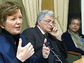 Mary Robinson à la tribune
