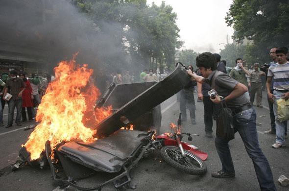 Emeutes à Téhéran