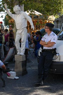 Policier à Avignon