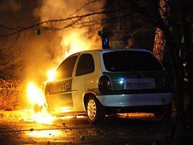 Incendie de voiture de luxe