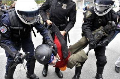 Arrestation durant les manifestations à Athènes