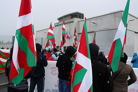 Manifestation pour Lorentxa Guimon