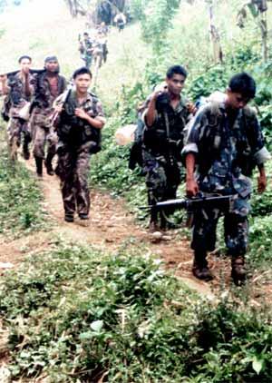 Guérilléros maoïstes philippins