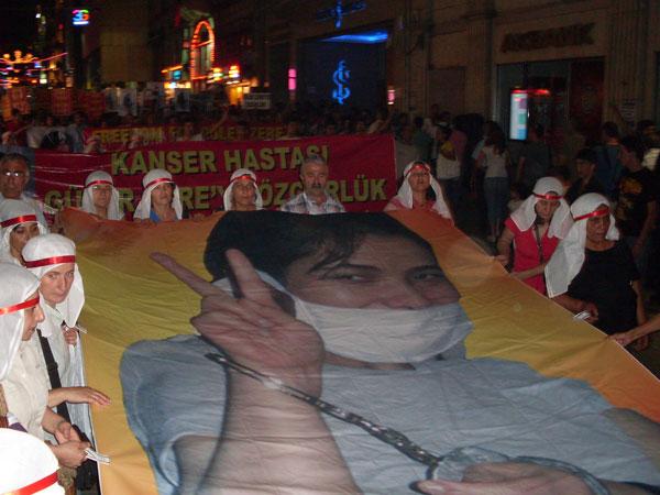 Manifestation pour la libération de Güler Zere