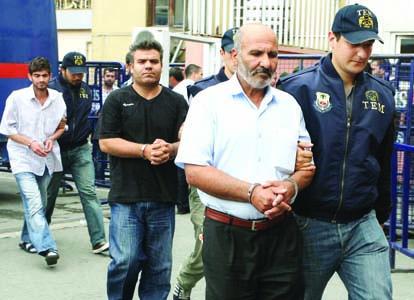 Suspects de l'attaque du bus à Istanbul