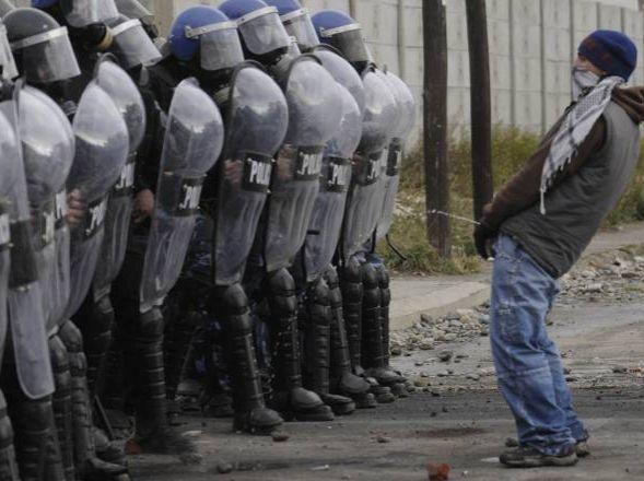 Emeute anti-policière en Argentine (1)