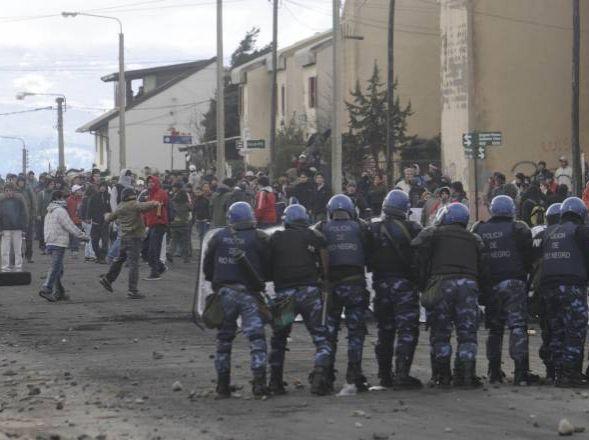 Emeute anti-policière en Argentine (2)