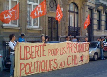 Manifestation devant l'ambassade du Chili à Bruxelles