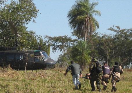 Combat entre l'ERP et la police à Kurusu de Hierro