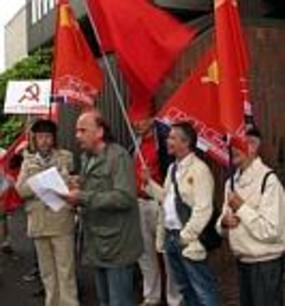 Rassemblement à Lille devant le consulat de Pologne