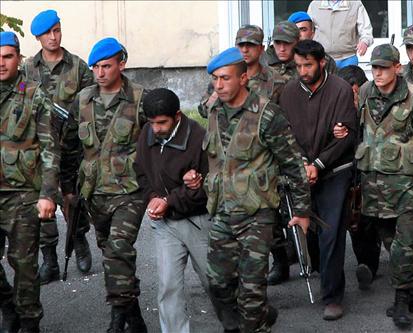 Reddition de 13 membres du PKK