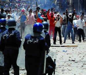 Manifestation contre la vie chère en Algérie