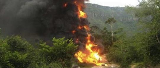 Explosion d'un oléoduc par les FARC