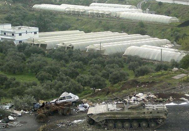 l'armée syrienne contre le mouvement populaire