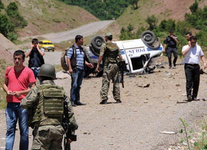 Explosion d'une voiture de police dans la province de Tunceli