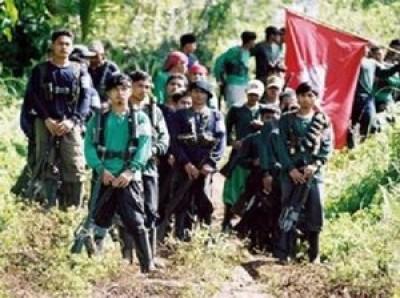 colonne de guérillros maoïstes aux Philippines