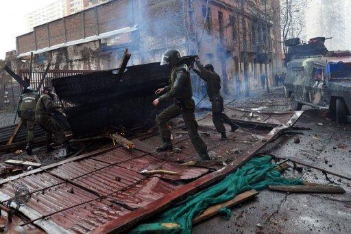Barricade lors d'une manifestation d'étudiants à Santiago