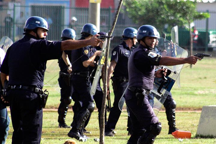 Policiers brésiliens