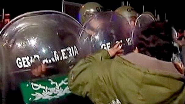 Rupture de grève par la police argentine