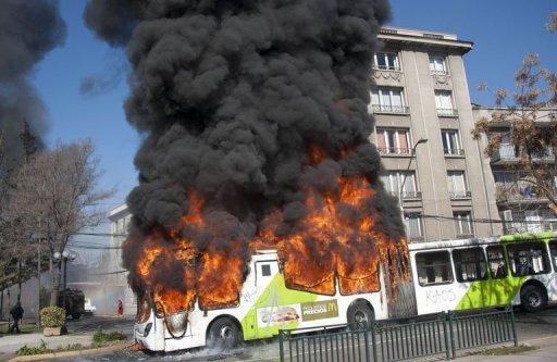 Bus incendiés à Santiago