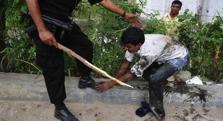Violence policière à Dacca