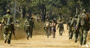 Forces de sécurité indiennes en opération