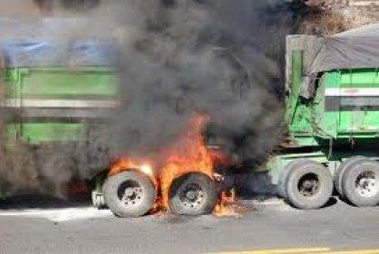 queman_tracto_camion.jpg