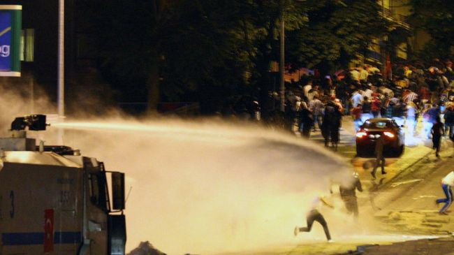 Canons à eau à Ankara