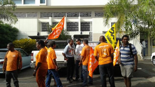 postiers en grève Réunion
