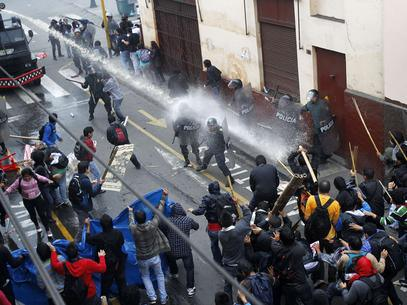 protesto-lima-estudantes-rts.jpg