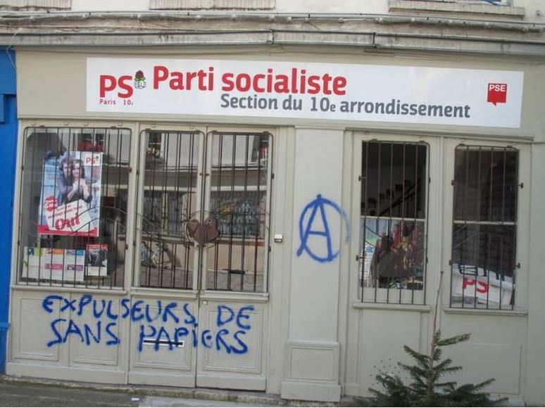 tag anti-PS à Paris