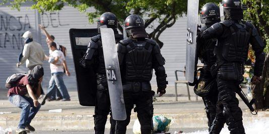 affrontements paysans-policiers en Colombie