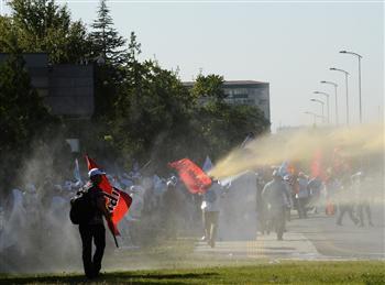 Marche du KESK réprimée à Ankara