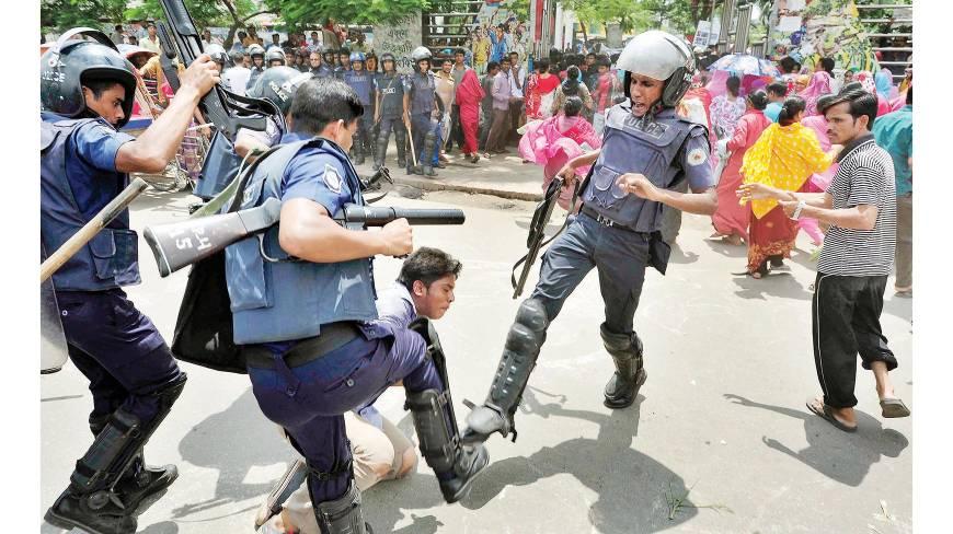 Ouvrier réprimé au Bangladesh