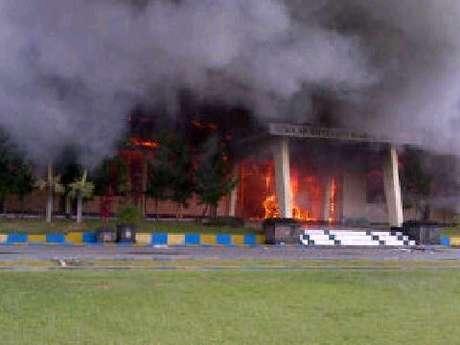 indonésie: incendie de l'école de police